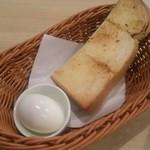 108153551 - モーニングセット  無料のトーストと茹で玉子