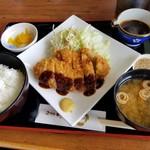 レストラン むーんらいと - 味噌カツ定食(平日ランチ限定700円)