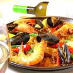 スペイン料理 トレス - バレンシアMIXパエリア ⒈5人前 2人前 4人前