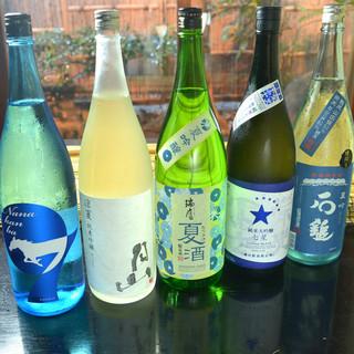 店長が飲んで探したおすすめのお酒を各種取り揃えております。