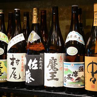プレミア焼酎や全国の日本酒など、お好みの一杯をご堪能あれ♪