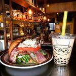 BURGER CAFE & RESTAURANT シュビドゥバー - BLTバーガーとタピオカミルクティ☆
