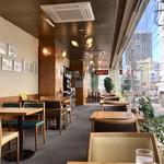 カフェ カルディー - 細長い店内