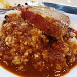 洋食の店 橋本 - カツの載ってるお皿にカレーとご飯を入れながら食べるのが綺麗に食べられます。