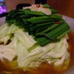 炙処 いち - もつ鍋(醤油味)