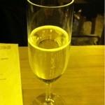 スタンド ジー - スパークリングワイン