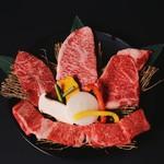焼肉屋 牛匠 - 黒毛和牛ステーキ盛り合わせ(A4~A5レベル提供)ライス、スープ、キムチ、チチャ付き