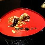 108193514 - 鳥貝と車海老、糸海苔と大葉のソース