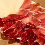 DOS - 生ハムとチーズ(イベリコ、セラーノ、マンチェゴチーズ)