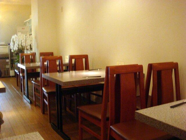 中国四川料理 梅香 - 店内は中華のお店とは思えないほどスタイリッシュです
