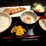 肉・魚料理 ちん亭 - しまホッケ定食です