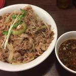 魁 肉盛りつけ麺 六代目 けいすけ - 「肉盛りつけ麺(400g)」@1040+「肉増し」@300