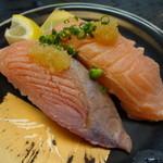 廻鮮寿司かね喜 - 霜降サーモン 294円 [20111217]