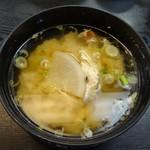 廻鮮寿司かね喜 - あら汁 189円 [20111217]