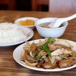 志雅飯店 - 料理写真:野菜レバー炒め定食