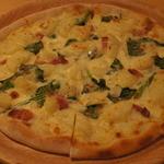 手作りピッツァ・お惣菜ルーティーン - 料理写真:じゃがいものグラタンピザ