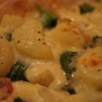 手作りピッツァ・お惣菜ルーティーン - たっぷりホワイトソース