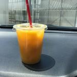 マンゴーカフェ - ドリンク写真:マンゴージュース(テイクアウト)