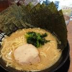 横浜家系ラーメン 丸岡商店 - 海苔醤油  780円