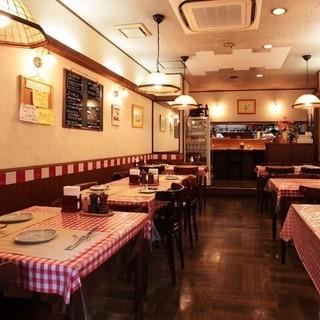 常連様に愛される古き良き洋食屋。レトロな雰囲気の中でゆったり