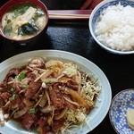 一龍宝 - ホルモン炒め定食