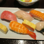 柳寿司 - 上段 真ん中:シマアジ