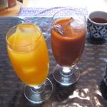 メークマイ - マンゴージュース、タイ紅茶 320円