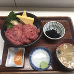 丸青食堂 - 中落ち丼(1,800円)