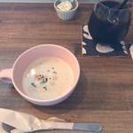 108268736 - スープとコーヒー