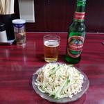 北京餃子房 - 押し豆腐の冷菜と青島ビール