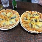 ピザの店ベルペイ - オイルサーディン、オイスター