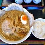 ら~めん亭にしやま - 背脂醤油チャ~シュ~メン(大盛り)& 半ライス