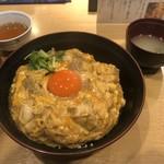 鶏料理 はし田屋 - 名物親子丼