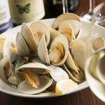 漁師滝口さんからホンビノス貝の白ワイン蒸し