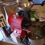 茶珈香 - 特殊な焙煎機が置いてあります。