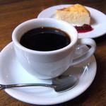 純喫茶 星港夜 - カノン(濃い目コーヒー 530円)+本日のケーキ(450円 セットで-100円)