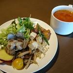 108303648 - 前菜とスープ
