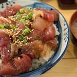 まぐろ屋 やまもと - 特製漬けタレ丼(味噌汁付):780円/2019年5月