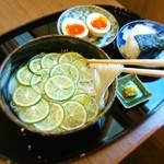 和食香穂 - 冷たいスダチ素麺におにぎりと味玉子をセットに♪