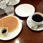 カフェおりーぶ - ホットケーキと珈琲
