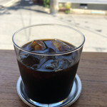 108322050 - 暑い日はキリっとアイス珈琲。