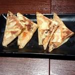やぐら亭 - おつまみ餃子、カレー味(380円税別@6個)