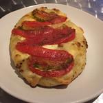 108325349 - トマトとカマンベールチーズ