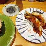 ひまわり寿司 - アボカドサーモンと特大うなぎ。