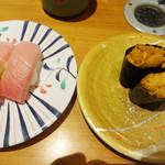 ひまわり寿司 - 中とろとうに。