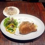 ベスゴ - 生ハムピザx金タイ+ゆかりと白胡麻ご飯+自家製ピクルス