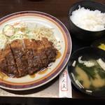 ひれとんかつの店 とん文 - ロースとんかつ定食  890円(税込)