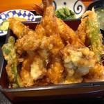 和食処 浜宮 - 料理写真:上天重 1300円。