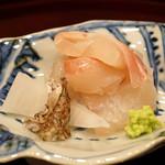 味享 - 明石の真鯛のお造り