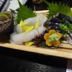 居酒屋 大ちゃん - お刺身(なまこ¥480、アオリイカ¥550、しめさば¥600)